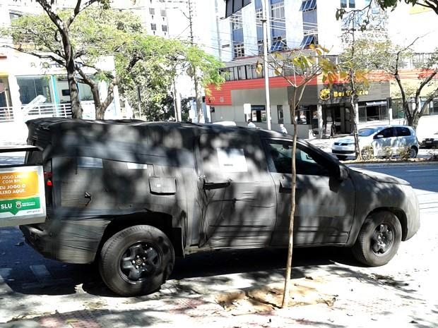Picape da Fiat em teste é flagrada circulando em Belo Horizonte (Foto: Humberto Trajano/ G1)