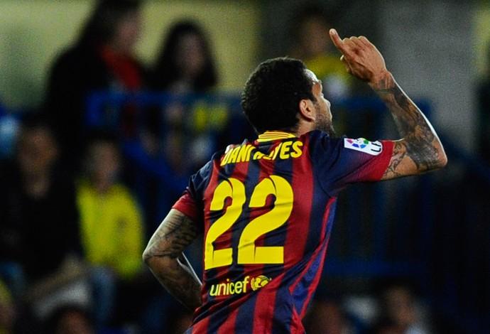 Daniel Alves comemora, Villarreal x Barcelona (Foto: Getty Images)