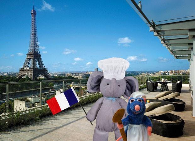 Elefante de pelúcia na França (Foto: Reprodução)
