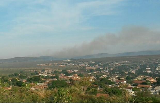 Incêndio destrói 11 mil hectares da Chapada dos Veadeiros, em Alto Paraíso de Goiás (Foto: Reprodução/TV Anhanguera)