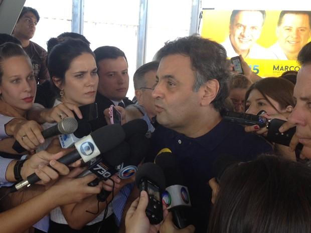 O candidato Aéci oNeves participou de ato de campanha em Goiânia (Foto: Fernanda Borges/G1)