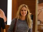Fiorella Mattheis vai sem maquiagem a joalheria