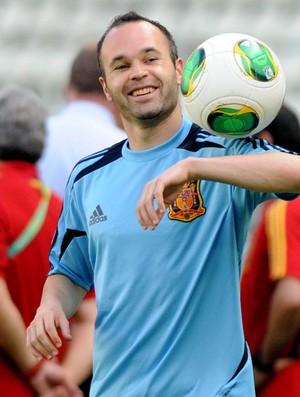 Iniesta treino espanha (Foto: André Durão)