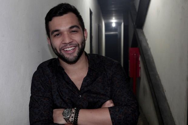 Jonathan Costa em casa de shows na Zona Norte do Rio (Foto: Isac Luz/ EGO)