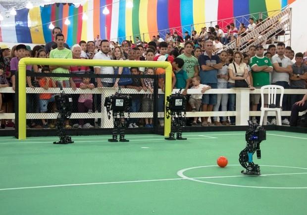 Feira de robótica terá, entre outras atividades, futebol de robôs na USP de São Carlos (Foto: Valdecir Becker / Divulgação)