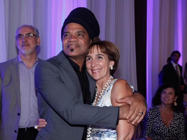 Carlinhos Brown e Viviane Senna em premiação em São Paulo (Foto: Marcos Ribas/ Foto Rio News)