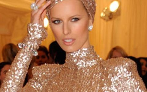 Vestido dourado: inspire-se nas famosas para arrasar na festa