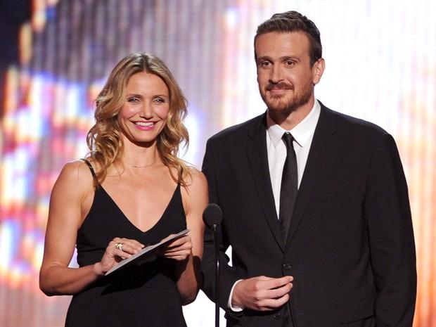 Cameron Diaz e Jason Segel em premiação em Los Angeles, nos Estados Unidos (Foto: Kevin Winter/ Getty Images/ AFP)