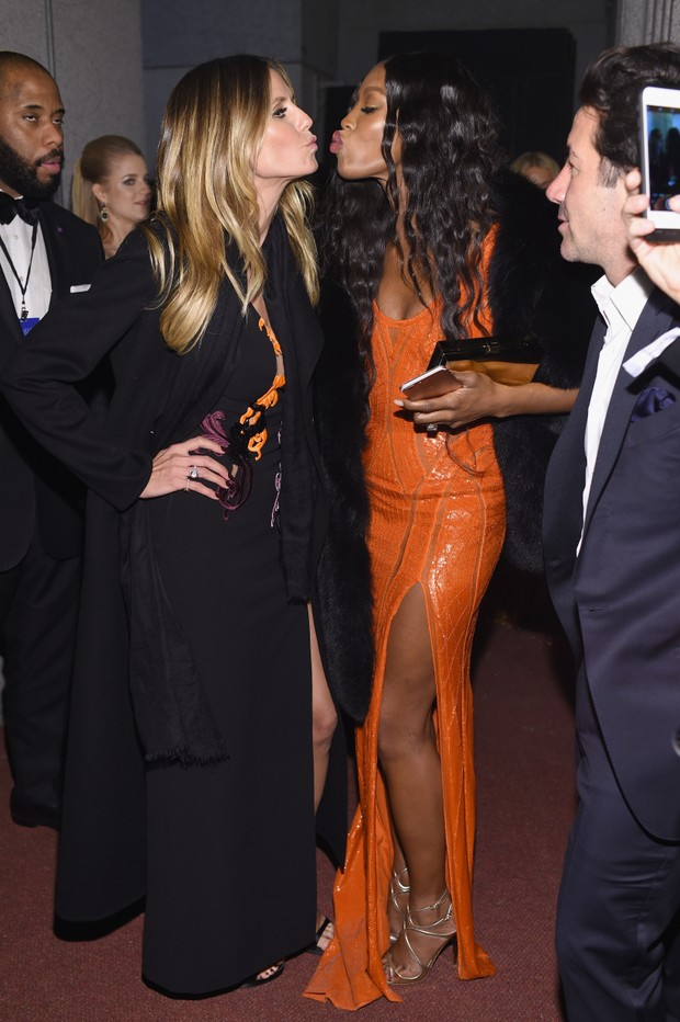 Heidi Klum e Naomi Campbell  (Foto: Dimitrios Kambouris / GETTY IMAGES NORTH AMERICA / AFP)