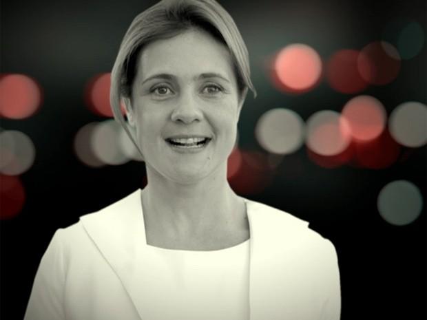 Clique na foto de Carminha para fazer o efeito 'congela' em suas imagens (Foto: Avenida Brasil/ TV Globo)