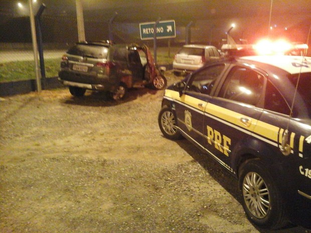 Motorista foi constatado com sinais de embriaguez após acidente (Foto: Divulgação/Polícia Rodoviária Federal)