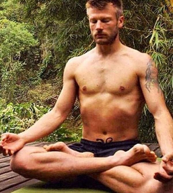 Pratica yoga  (Foto: Reprodução Instagram )