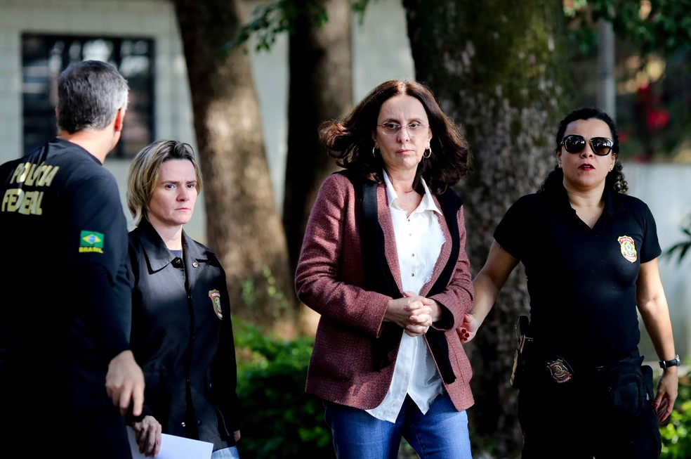 Andrea Neves, irmã do senador Aécio Neves, em imagem de arquivo, no dia em que foi presa em Belo Horizonte (Foto: Cristiane Mattos/Reuters)