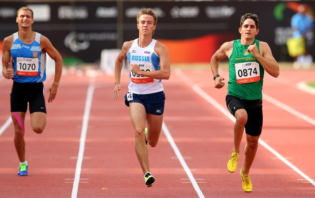 Fanie Van Der Merwe, medalha de prata nos 200m T37 masculino, prefere não falar de Pistorius (Foto: Julian Finney / Getty Images)