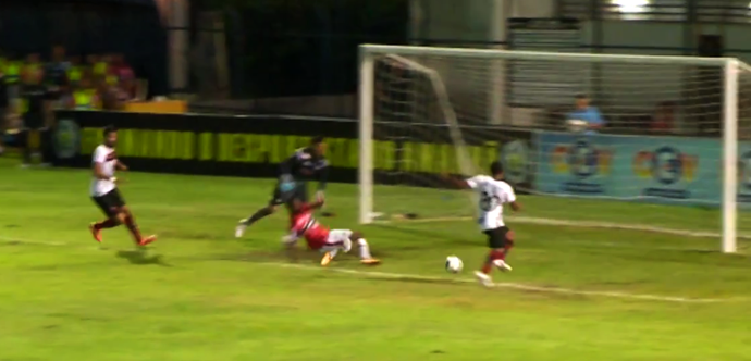 Atacante Fabinho, Flamengo-PI (Foto: TV Clube)