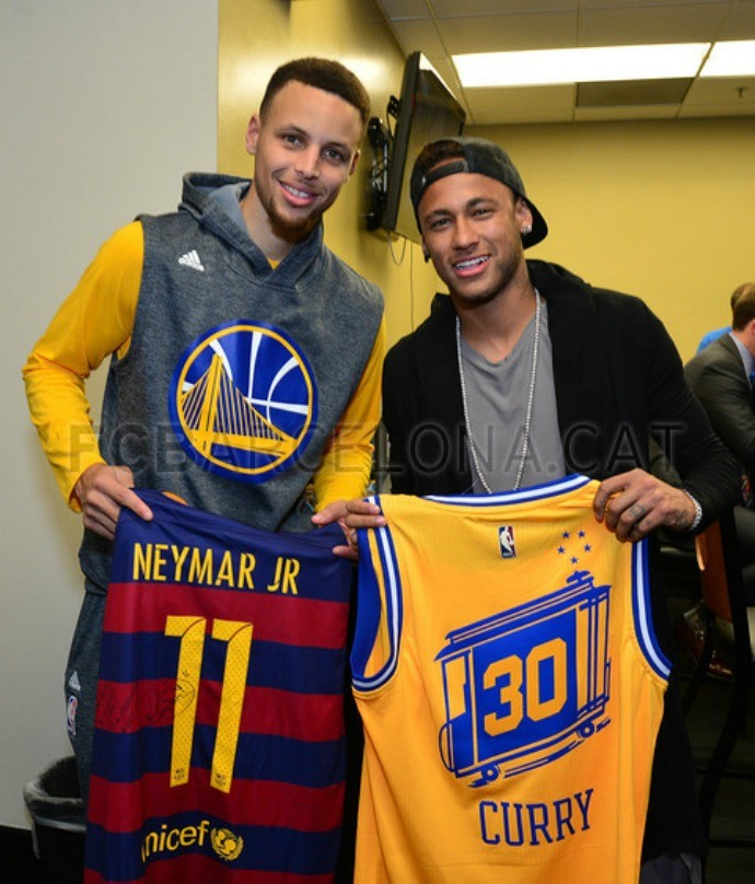 BLOG: Barcelona exalta encontro entre Neymar e Stephen Curry nas finais da NBA