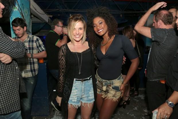 Natalia Rodrigues e Erika Januza (Foto: Reginaldo Teixeira/Divulgação)
