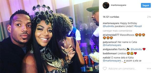 Ludmilla posa com o ator americano Marlon Wayans (Foto: Reprodução/Instagram)