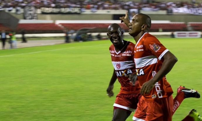 CRB x Botafogo Somália e Isac (Foto: Jonathan Lins/GloboEsporte.com)