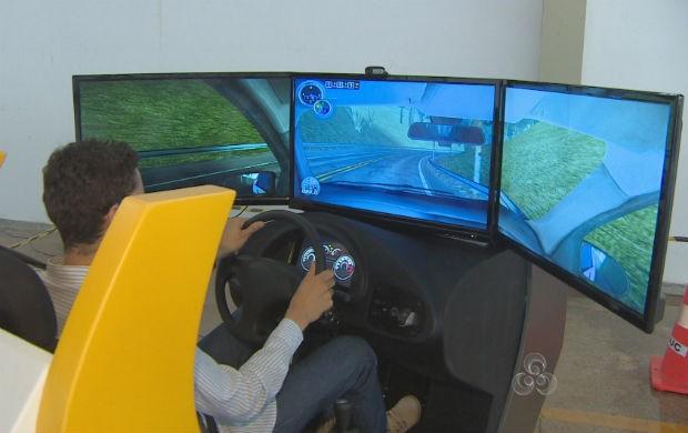 Simulador de direção (Foto: Reprodução/TV Amapá)