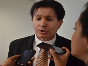 Promotor Luiz Claudio Almeida  (Foto: Tássio Andrade/G1)