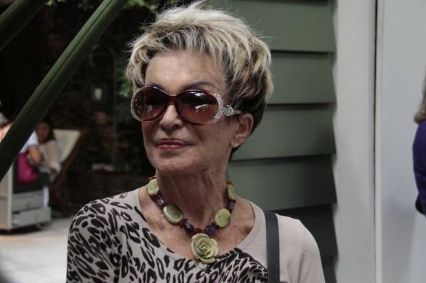 Mãe da Monique (Foto: Isac Luz / EGO)