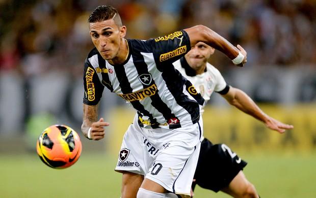 Rafael Marques jogo Botafogo e Corinthians (Foto: Ivo Gonzalez / Agencia O Globo)