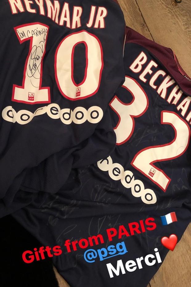 David Beckham ganha camisa do PSG autografada por Neymar (Foto: Reprodução/Instagram)