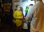 Fãs de Walkíria Santos curtem show no São João de Campina Grande
