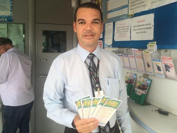 Vanderlei Luciano de Melo fez 30 apostas na Mega da Virada em Goiânia, Goiás (Foto: Vitor Santana/G1)
