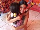 Mãe de menina que nasceu coberta de pelos fala sobre superação: 'Feliz'