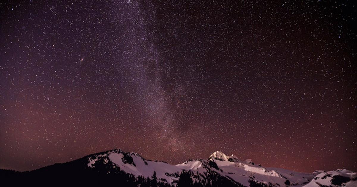 Concurso de fotografia mostra espetáculo de luzes e estrelas no céu