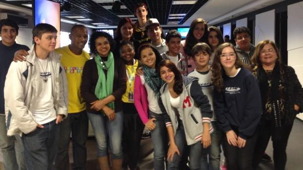 Alunos da escola Francisco Tolentino visitaram redação da RBS TV (Foto: Marina Scarabelot Cidade/RBS TV)