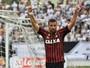 André Lima aumenta seu tempo em campo e acirra disputa no Atlético-PR