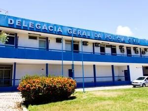 Cerca de quatro mil inquéritos policiais estão parados em delegacias de Alagoas. (Foto: Jonathan Lins/G1)