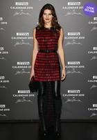 Look do dia: Isabelli Fontana arrasa em festa do Calendário Pirelli