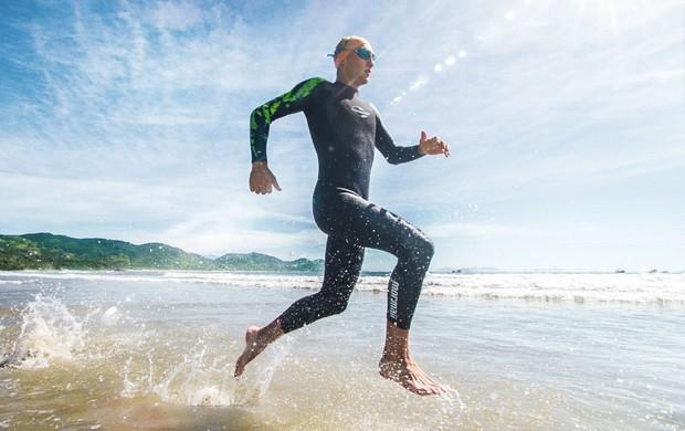 Triathlon Wetsuit Mormaii (Foto: Divulgação)