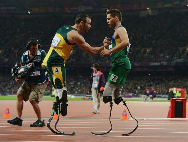 Alan Fonteles e Oscar Pistorius Paralimpíadas 200m (Foto: Getty Images)