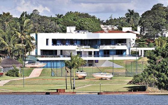 Mansão da família do ex-senador Valmir Amaral em Brasília (Foto: Reprodução)