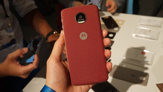 Moto Z com processador mais fraco não foi rebaixado, diz Motorola