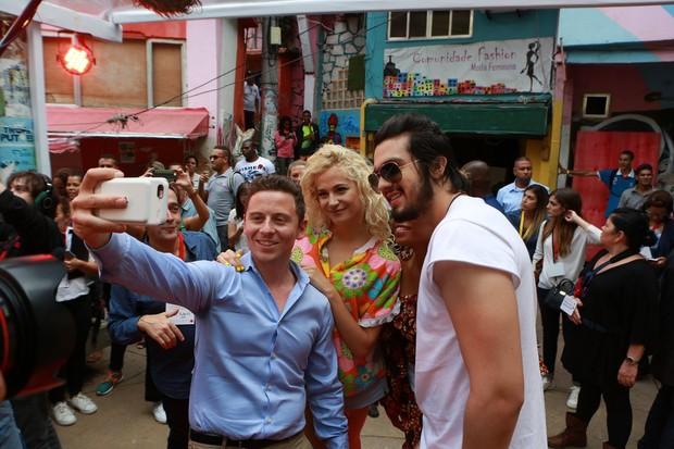 Luan Santana grava videoclipe no Morro Dona Marta  (Foto: Dilson Silva/AgNews)