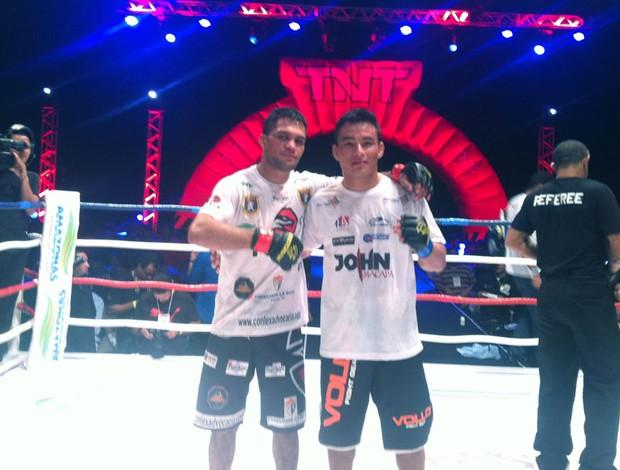 lutadores Rivaldo Junior e John Macapá (Foto: Ana Hissa)