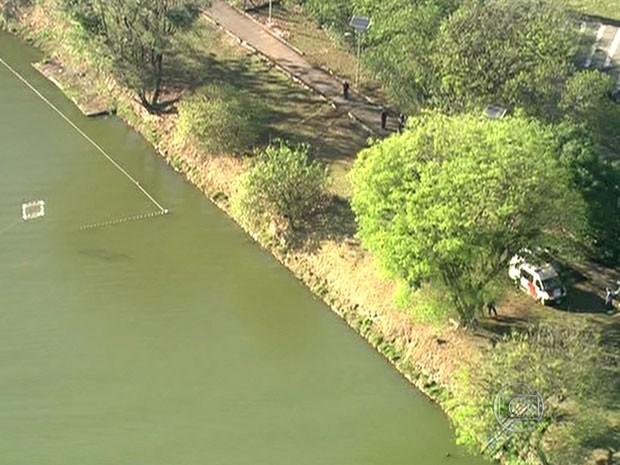 Corpo foi encontrado na raia olímpica  (Foto: Reprodução /TV Globo)
