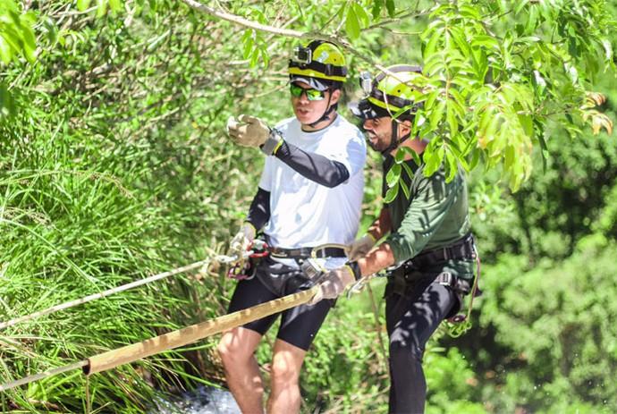 Mário enfrenta quarenta metros de altura (Foto: Divulgação Carona)