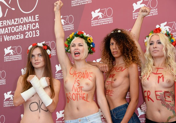 As ativistas do Femen em protesto recente durante o Festival de Cinema de Veneza (Foto: Getty Images)
