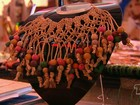 Artistas utilizam fibras naturais como matéria-prima para artesanato