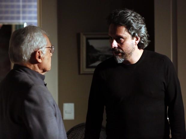 José Alfredo discute com mordomo (Foto: Isabella Pinheiro/ Gshow)