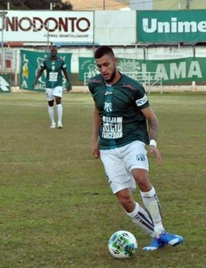 Murilo lateral-esquerdo Caldense (Foto: Mayra Ayres / Caldense)