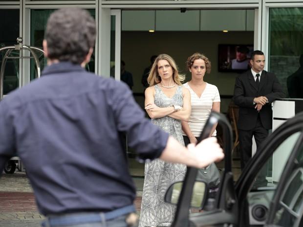 Ação! Letícia e Caco começam a gravar (Foto: Salve Jorge/TV Globo)
