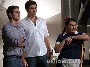 Abelardo e Omar ficam passados com a cena (Foto: Malhação / TV Globo)